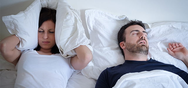 How can a dentist help with snoring and sleep apnoea?